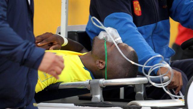 Valencia recibiendo oxígeno.