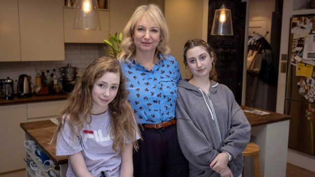Laurel and her daughters