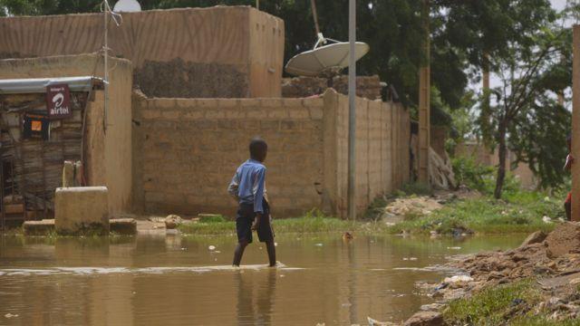 Toujours selon Ocha, plus de 9.000 habitations et 31 écoles se sont effondrées dans tout le pays.