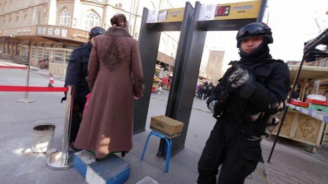 Operativo de seguridad en Xinjiang