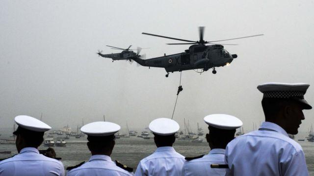भारतीय नौसेना ने खुद इसी हेलिकॉप्टर की मांग की है.