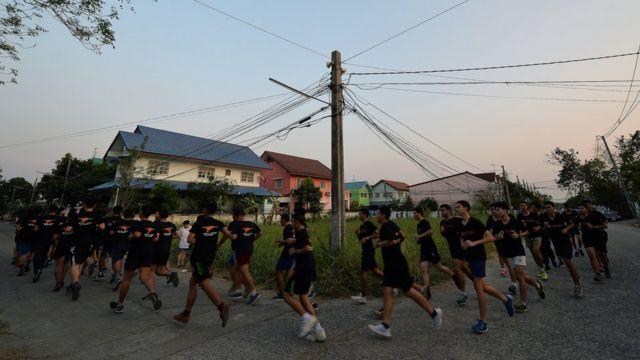 ภาคบ่ายในโรงเรียนกวดวิชาเตรียมทหารคือวิชาพละ
