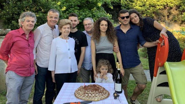 Lucia Macchi y su familia.