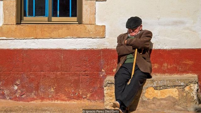 Changing the workday would threaten Spaniards' customary siesta