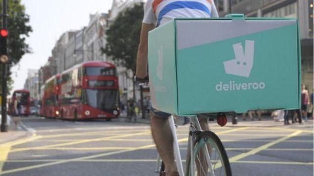 Un ciclista con Deliveroo