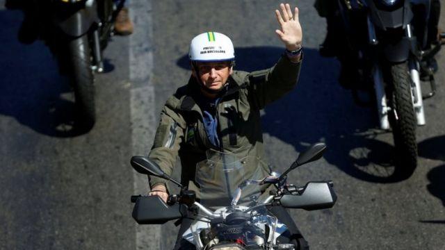 Bolsonaro em motociata recente