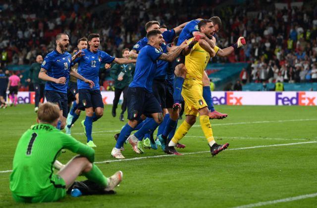 Italians celebrate the title