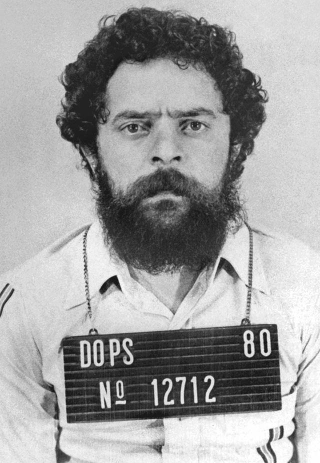 Lula fichado pelo Dops, em 1980