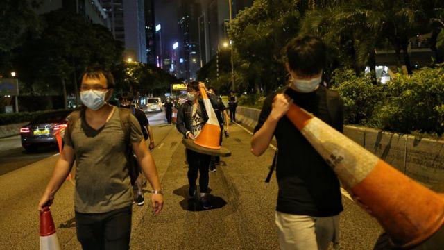 香港示威者堵塞道路的画面近期变成常态,有时候会引来市民反感。