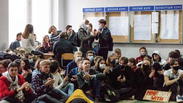 """Як пройшов перший день """"загальнонаціонального страйку"""" в Білорусі - BBC  News Україна"""