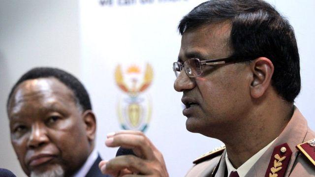 Dr Ramlakan waxa uu muddo ku dhaw 10 sano dhakhtar u ahaa Mandela