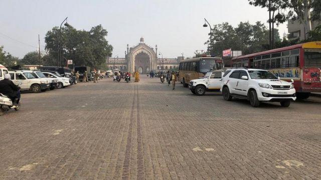 शुक्रवार को राजधानी लखनऊ से हिंसा की कोई ख़बर नहीं आई