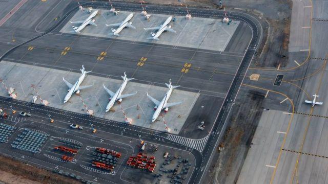 Aviones en el aeropuerto de Tel Aviv, Israel.