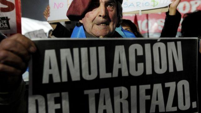 Protesta contra el tarifazo en Argentina