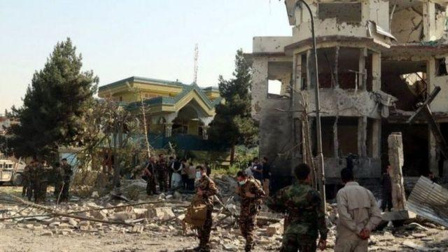Afganistan Savunma Bakanı Bismillah Khan Mohammadi'nin konutuna saldırı düzenlenmişti