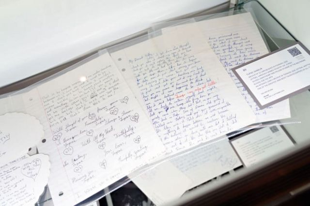 Amabaruwa 22 Tupac yandikiye umukunzi we bakiri bato yagurishijwe arenga $75,000