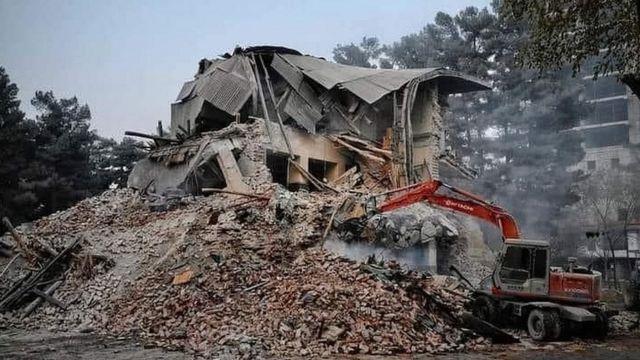 عکس سینمای تخریب شده پارک
