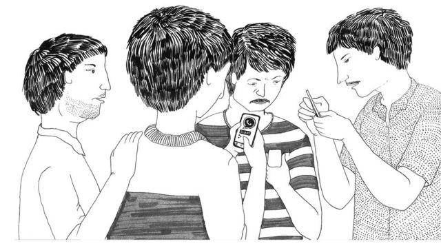 خلال السنوات الأخيرة انتشرت الهواتف الذكية وتطبيقات الدردشة