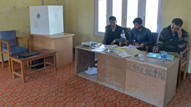 मतदान केंद्र , कश्मीर