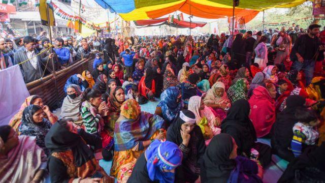 আন্দোলনে নেতৃত্ব দিচ্ছেন মূলত নানা বয়সের মুসলিম নারীরাই