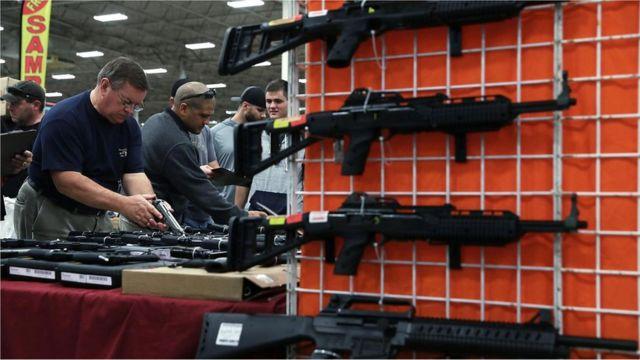在美国,枪械交易行业的交易额超过500亿美金(约350亿英镑),不过仅占国民经济很小的一部分。