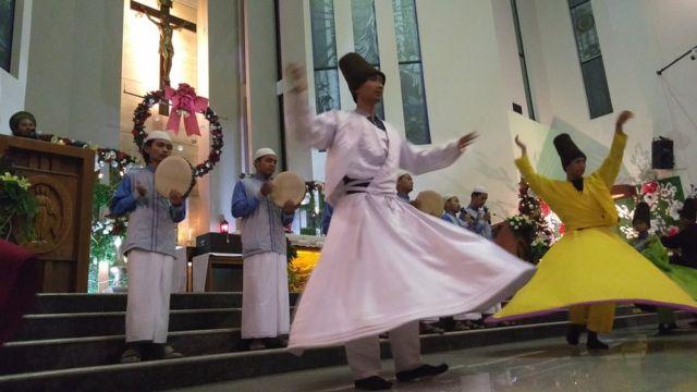 misa natal, tari sufi