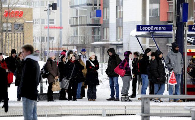 """芬兰有一句国民谚语是""""沉默是金,交谈是银""""。"""