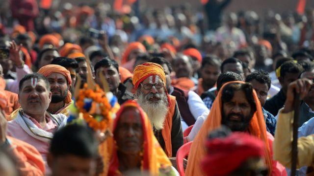 অযোধ্যার 'ধর্মসভায়' যোগ দিতে দলে দলে হিন্দু সাধু