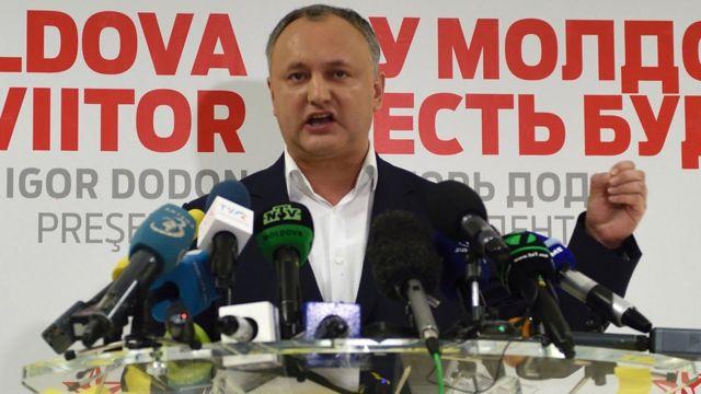 İqor Dodon Moldovada korrupsiyaya görə avropapərəst hökümətləri ittiham edir.