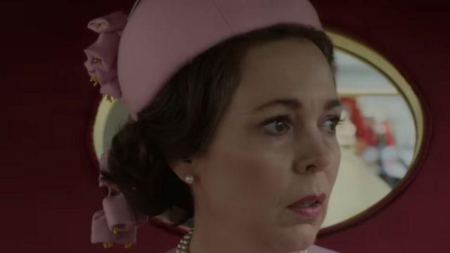 Оливия Колман в роли королевы