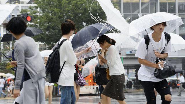 дождь в Токио