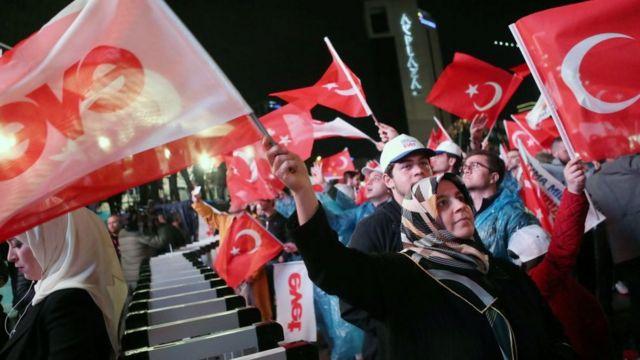 AKP kutlama