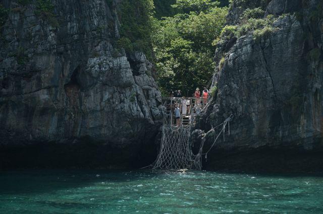 อ่าวมาหยา ปิด ฟื้นฟู maya bay close ท่องเที่ยว นักท่องเที่ยว tourist
