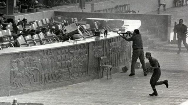 Mubarak alijeruhiwa wakati wa mauaji ya rais Sadat 1981