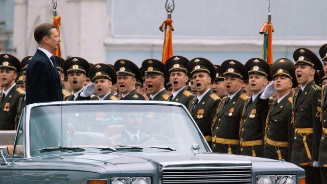 Сергей Иванов на параде в День Победы
