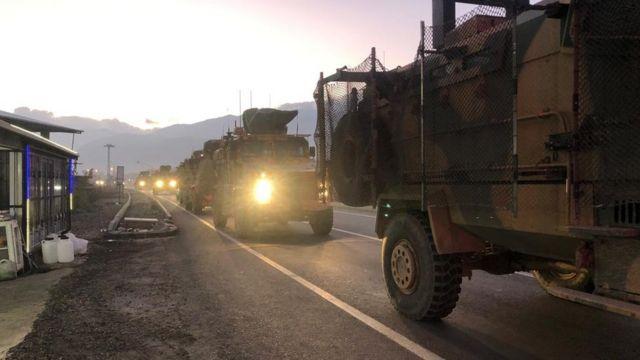 فوج عسكري تركي يتجه إلى الحدود السورية
