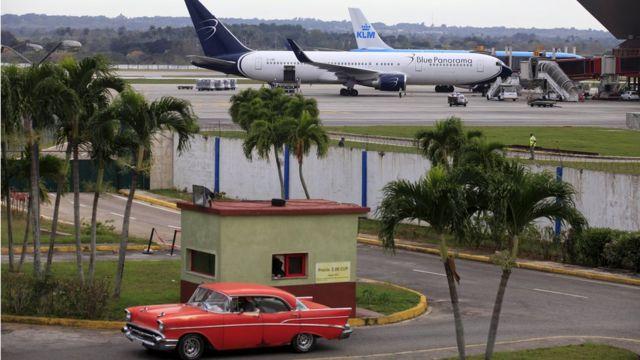 米・キューバ両政府は民間航空の行き来を半世紀ぶりに再開することで合意した