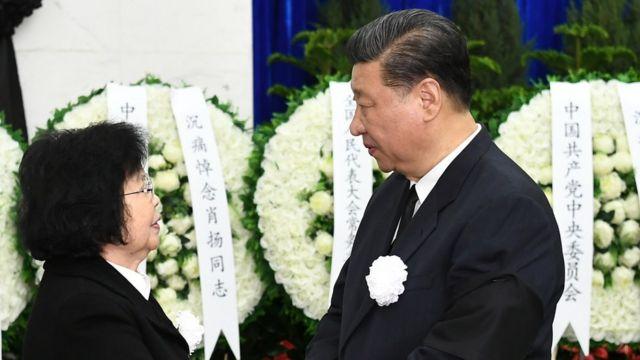 習近平等中國領導人前往悼念肖揚