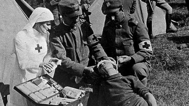 O que era a pílula número 9, comprimido 'cura tudo' dado a soldados da 1ª Guerra Mundial - BBC News Brasil