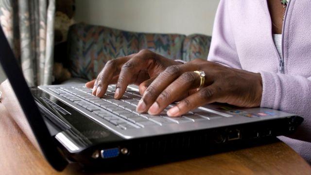 ई-मेल, कम्प्युटर, इंटरनेट