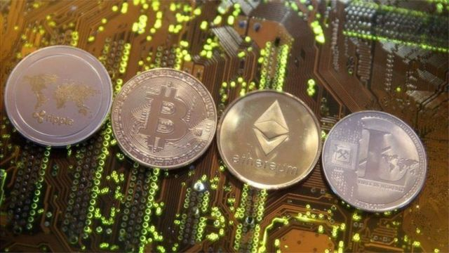 conversia bitcoin la bani)