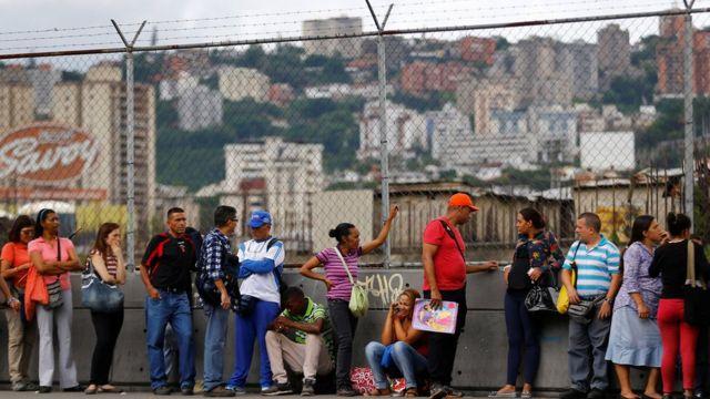 Cola en Caracas