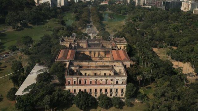 Museo Nacional de Brasil tras el incendio.