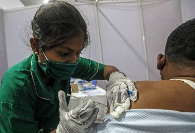 از اول ماه مه واکسیناسیون افراد بالای هجده سال آغاز میشود