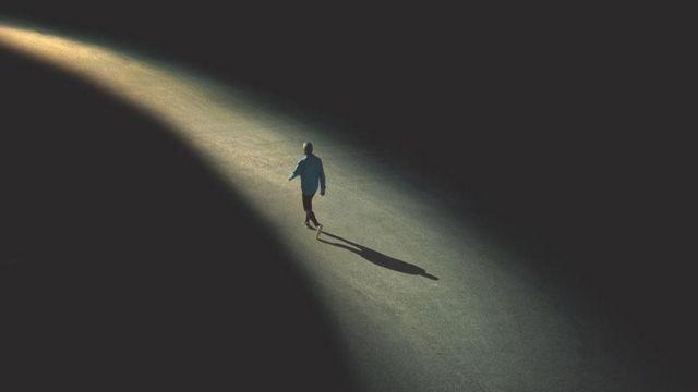 yalnız adam