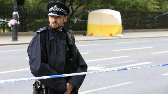 Полицейский на месте нападения в центре Лондона