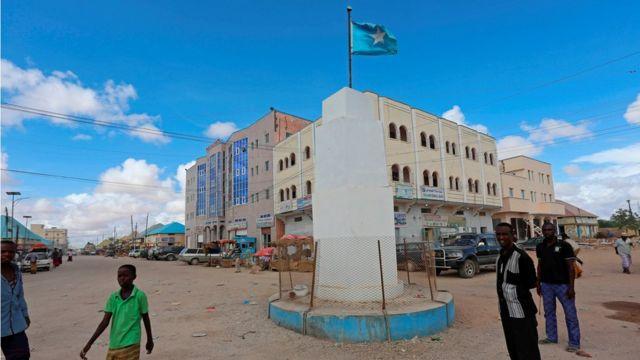 صورة لأحد مباني الإدارة الصومالية في مدينة غالكاعيو