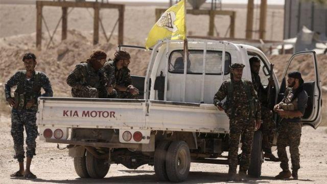 نیروهای دموکراتیک سوریه که ائتلافی از نیروهای کرد و عرب هستند از حمایت آمریکا برخوردار هستند.