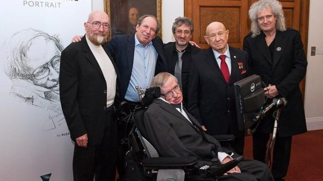 Stephen Hawking participódel Festival Starmus en Tenerife, España, junto a Kip Thorne, Hans Zimmer, Garik Israelian, Alexei Leonov y Brian May.