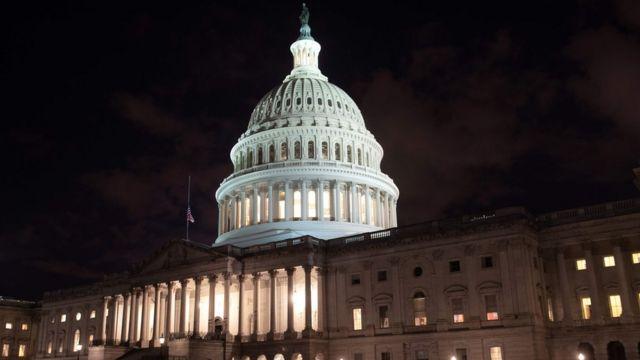 رایزنی نمایندگان سنا برای دستیابی به توافق بر سر بودجه به نتیجه نرسیده است